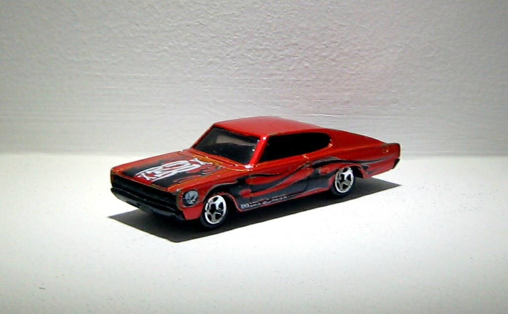 Dodge charger de 1967 (Hotwheels 2003)