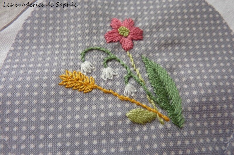 Broches brodées (8)