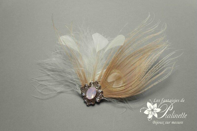 pince-cheveux-carlyne-plumes-plume-de-paon-cabochon-en-cristal