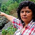Honduras : mémoire et fidélité : berta cáceres, une aventurière de l'âme du monde