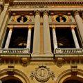 Détail de la façade du palais Garnier.