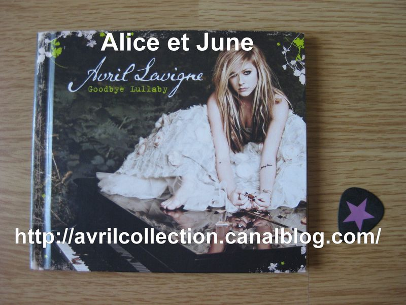 CD Goodbye Lullaby-exclusive expanded version (2011)