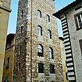 Toscane du nord (18/19). pistoia - la piazza del duomo – la tour de catilina.