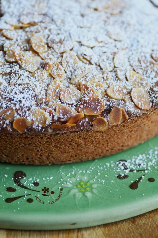 Gâteau moelleux amandes & coco_2