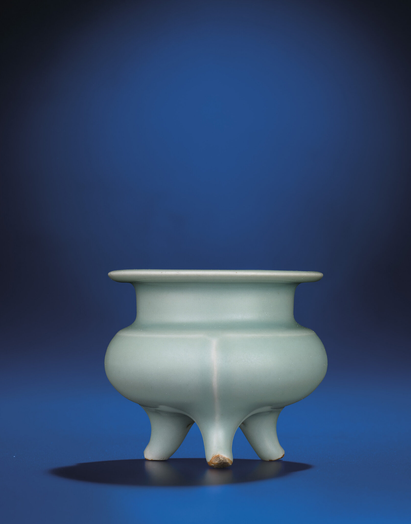 A Longquan celadon tripod censer, Southern Song dynasty (1127-1279)