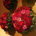 composition de roses variées type rose renoncule....