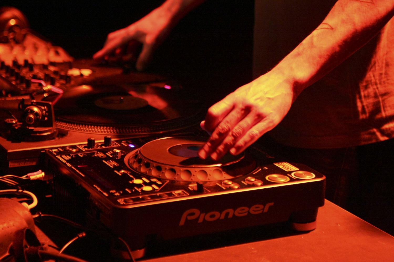 Atelier5-Ambiance-LeGrandMix-Quartiers2Lune2009-18