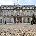 Plusieurs responsables politiques appellent françois hollande à instaurer l'état d'urgence