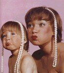 shirley_mac_laine_with_daughter_by_grant_1