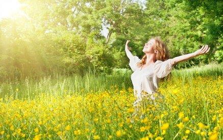 Femme-changer-vie-joie-abondance-stress-burtout