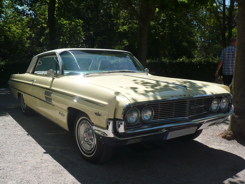 OLDSMOBILE Ninety Eight 2door hardtop 1962 Karlsruhe (1)