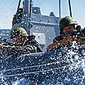 Grandes manoeuvres des fusillers marins de la flotte de la mer noire en crimée.