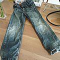 Tuto _ réparer et customiser un pantalon troué