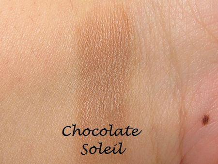 Too-Faced-Milk-Chocolate-Soleil-Bronzing-Powder-8