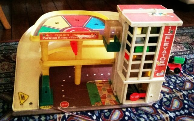Garage Fisher Price so Vintage ©Kid Friendly