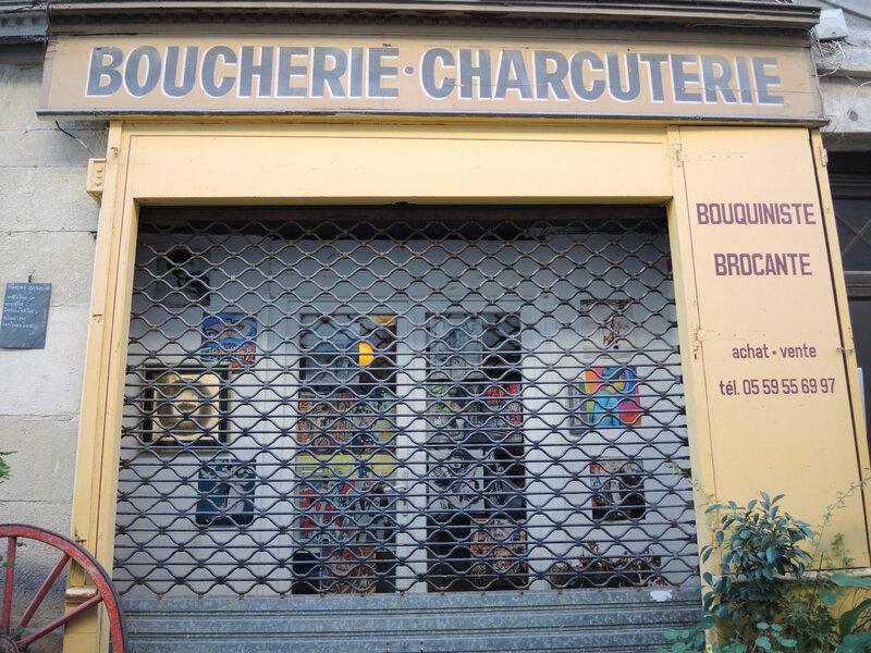 Bayonne, rue Sainte Catherine, brocante (64)