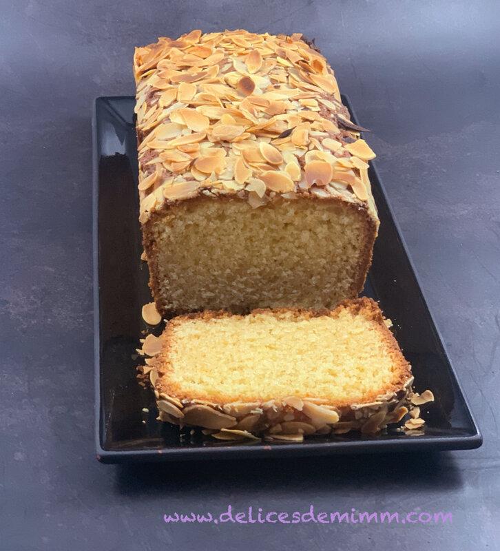 Cake à la pâte d'amandes 4