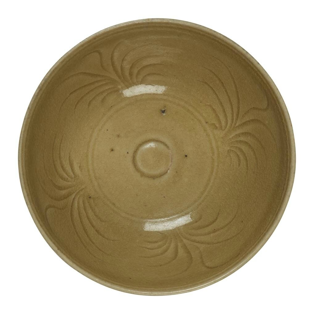A Vietnamese olive-yellow glaze bowl, 14th-15th century