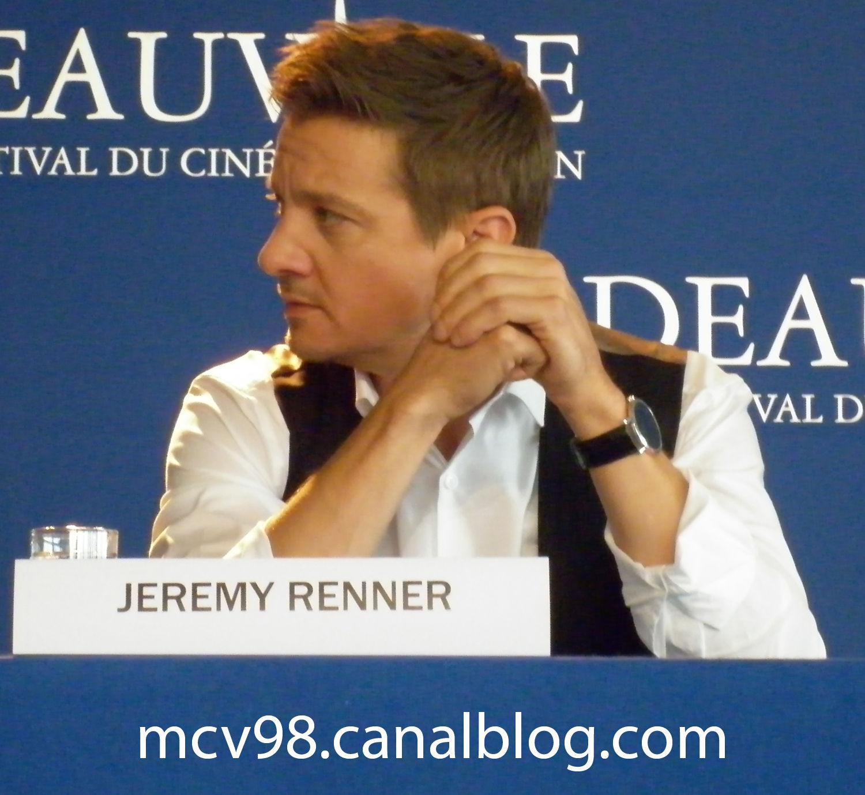 Jeremy RENNER (1)