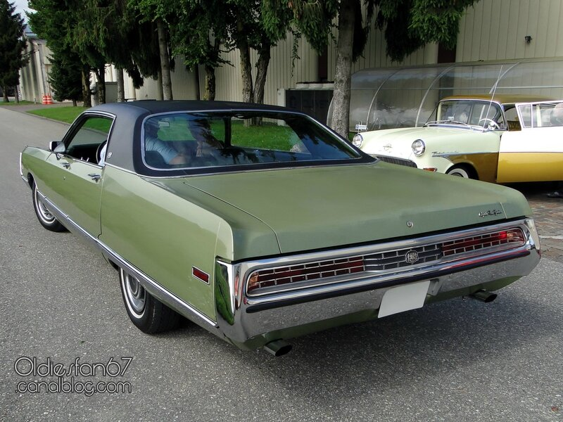chrysler-new-yorker-hardtop-sedan-1971-04