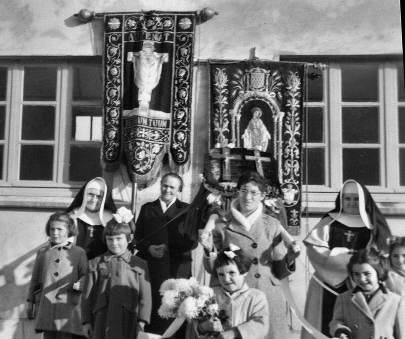 Ch42 - 1950-10-29 - Bénédiction de l'école du Christ Roi 2