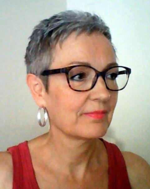 Coupes courtes cheveux gris