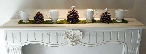 Pommes de pin et mugs Noël 2012 copie