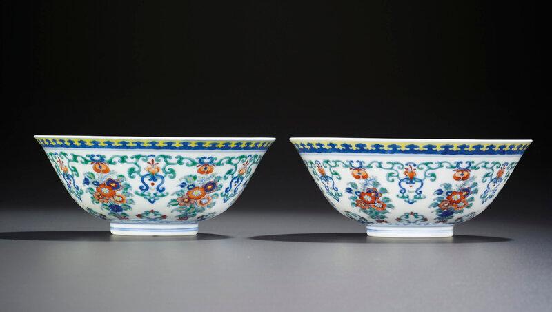 2014_HGK_03322_3460_000(a_fine_pair_of_doucai_floral_bouquet_bowls_yongzheng_six-character_mar)