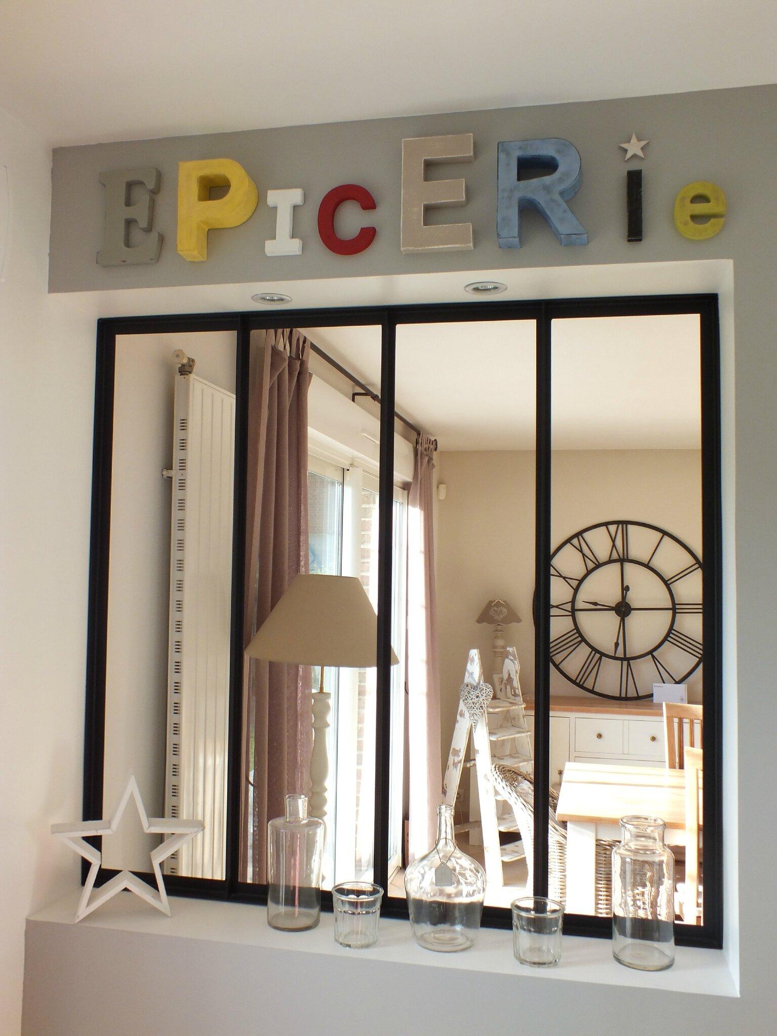 avec des lettres broc et patine le grenier de sara. Black Bedroom Furniture Sets. Home Design Ideas