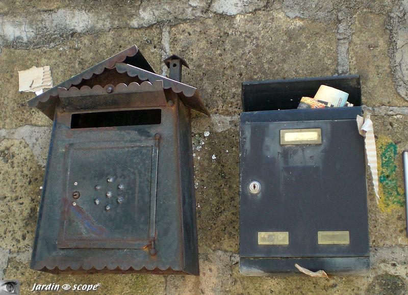 Boites aux lettres en fer à Sorrento (Italie)