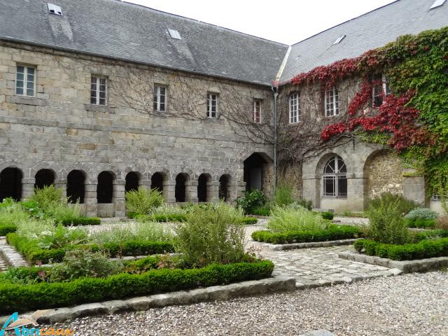 Cloitre des Pénitents St Valéry en Caux (1)