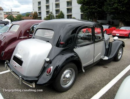 Citroen traction (Tako Folies Cernay 2011) 02