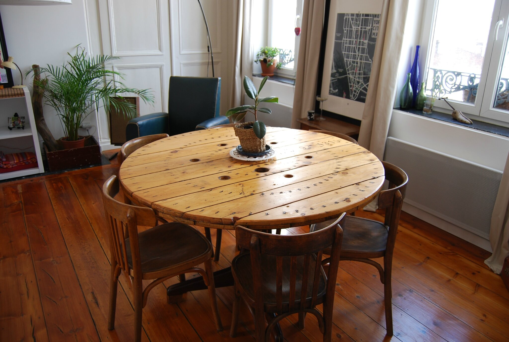 Emejing Table De Jardin Avec Touret Pictures - House Design ...