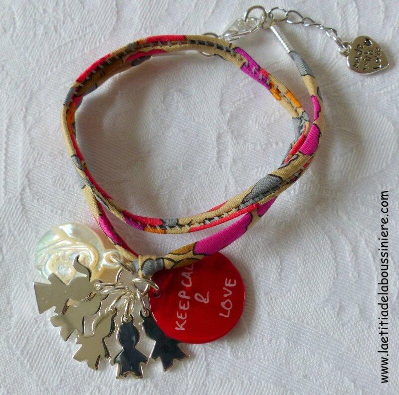 Bracelet personnalisé sur cordon Betsy fluo thé, médaille en nacre de Vierge à l'Enfant, breloques garçons et fille en argent et médaille gravée