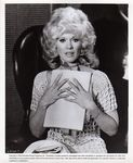 tv_1974_the_sex_symbol_connie_stevens_01