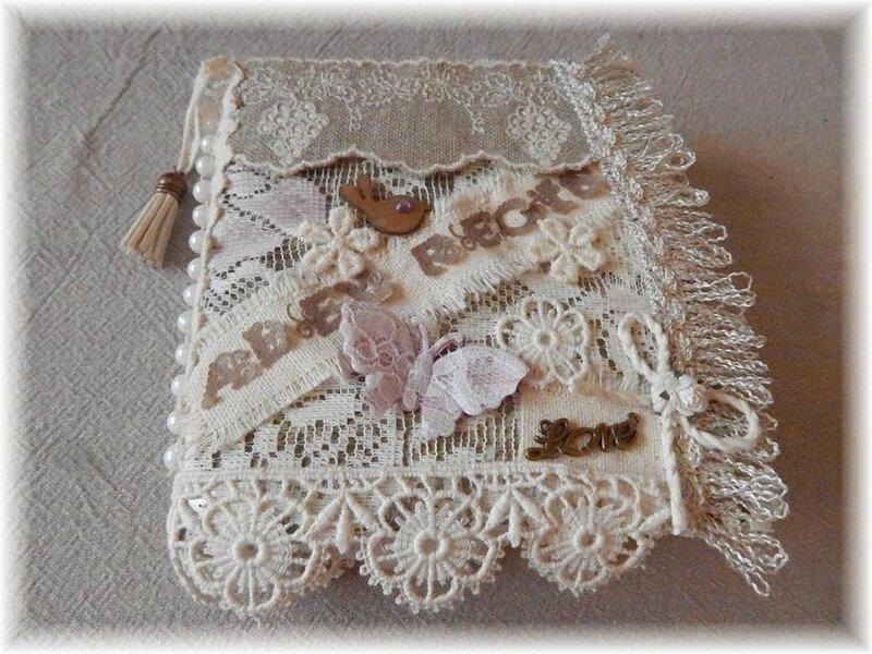 mini album lace and vintage
