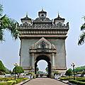 En comparant le voyage au vietnam, au laos et au cambodge