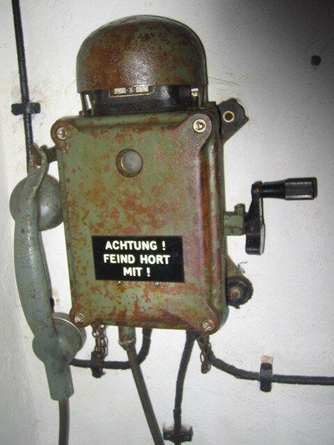 Téléphone de bunker typique