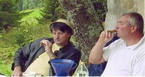 Poire et cigares avec didi sur le banc des nants