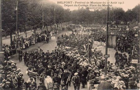 CPA Belfort Inauguration 3 Sièges 1913 Place Marché