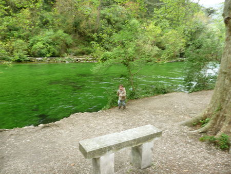 Fontaine_Vaucluse_18_avril_2008__16_