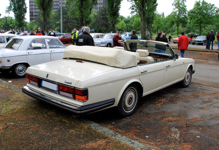 Rolls_Royce_silver_spur_mark_II_convertible_de_1989___version_US____Retrorencard_mai_2010__03