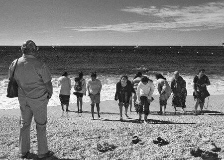 harem_beach_n_b