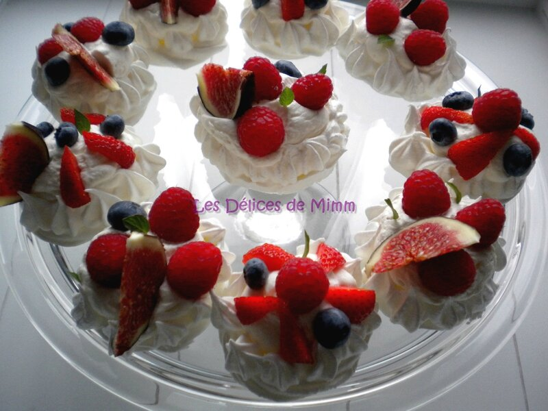 Mini-pavlovas aux fruits rouges, chantilly au Limoncello 1