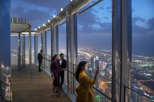 The-Lounge-Burj-Khalifa-Terrace-e1550048441840