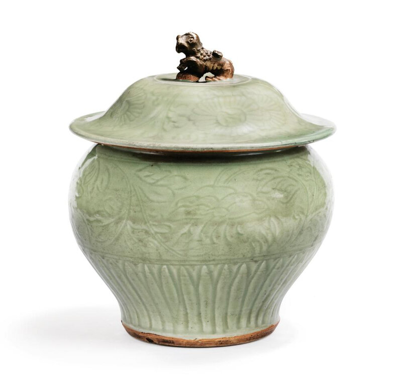 A Longquan celadon baluster vase and cover, early Ming dynasty (136-1644)