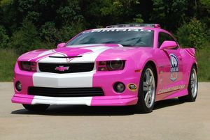 2013-chevrolet-camaro-breast-cancer-pace-car-628