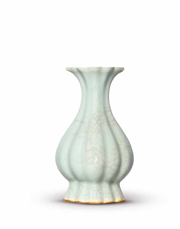 A very rare LongquanGuan-type lobed pear-shaped vase, Southern Song dynasty (1127-1279)