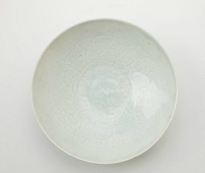 Dish, China, Song dynasty (960 - 1279), porcelain with 'qingbai' glaze, 5.3 x 18.3 cm. Gift of Peter Elliott 2006. 195.2006. Art Gallery of New South Wales, Sydney (C) Art Gallery of New South Wales, Sydney