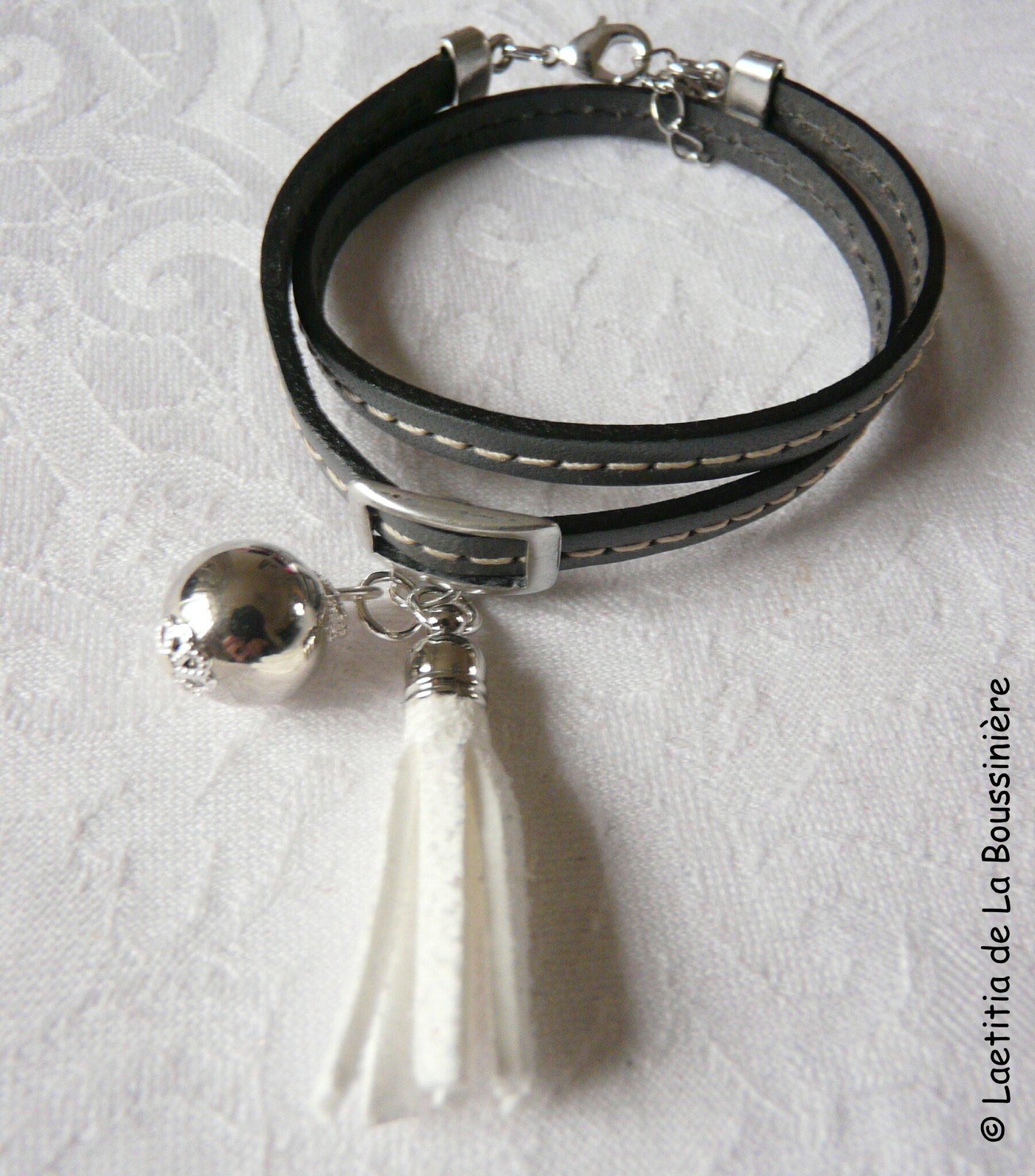 Bracelet Pompon gris (pompon blanc)